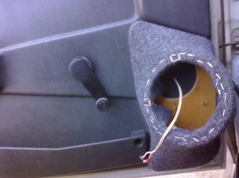 Как установить колонку в машину своими руками